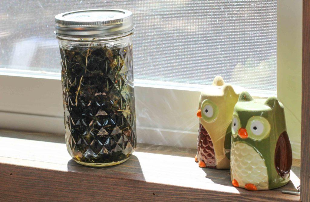 solar herb iinfused oil